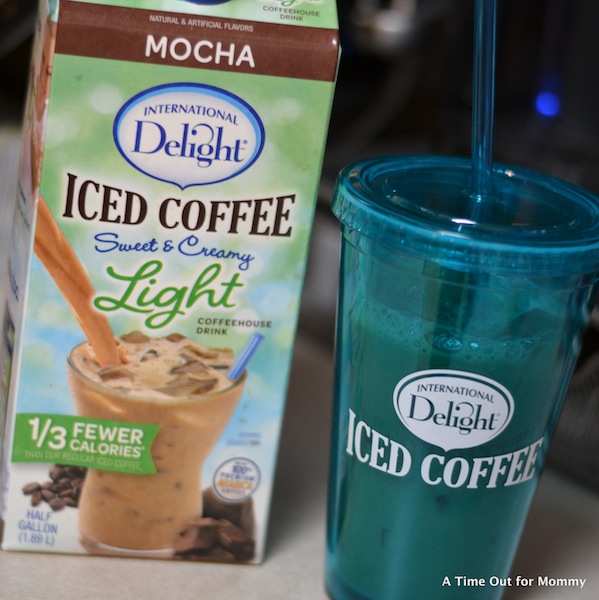 International Delight Light Iced Coffee-005