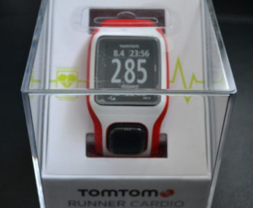 This Season, #GiveAGoal With the New @TomTomUSA Runner Cardio GPS! #Giveaway!