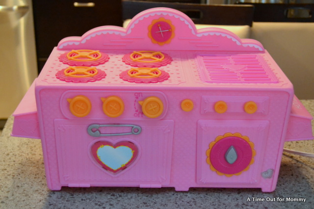 in the kitchen with lalaloopsy a lalaloopsy kitchen