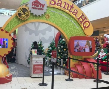 Visiting A Mall Santa for the First Time