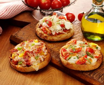 English Muffin Pizzas and a Bays Sweepstakes!